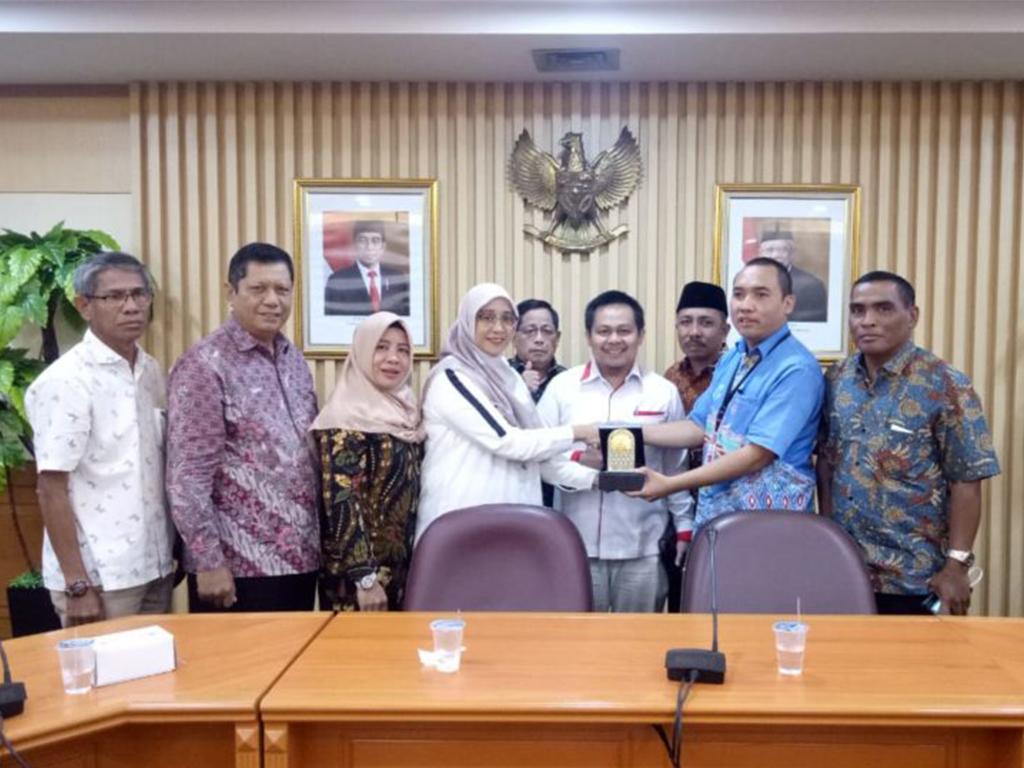 Komisi II Kunker ke Kementerian Koperasi dan UKM RI